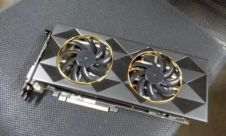 AMD-Radeon-XFX-R9-390-2